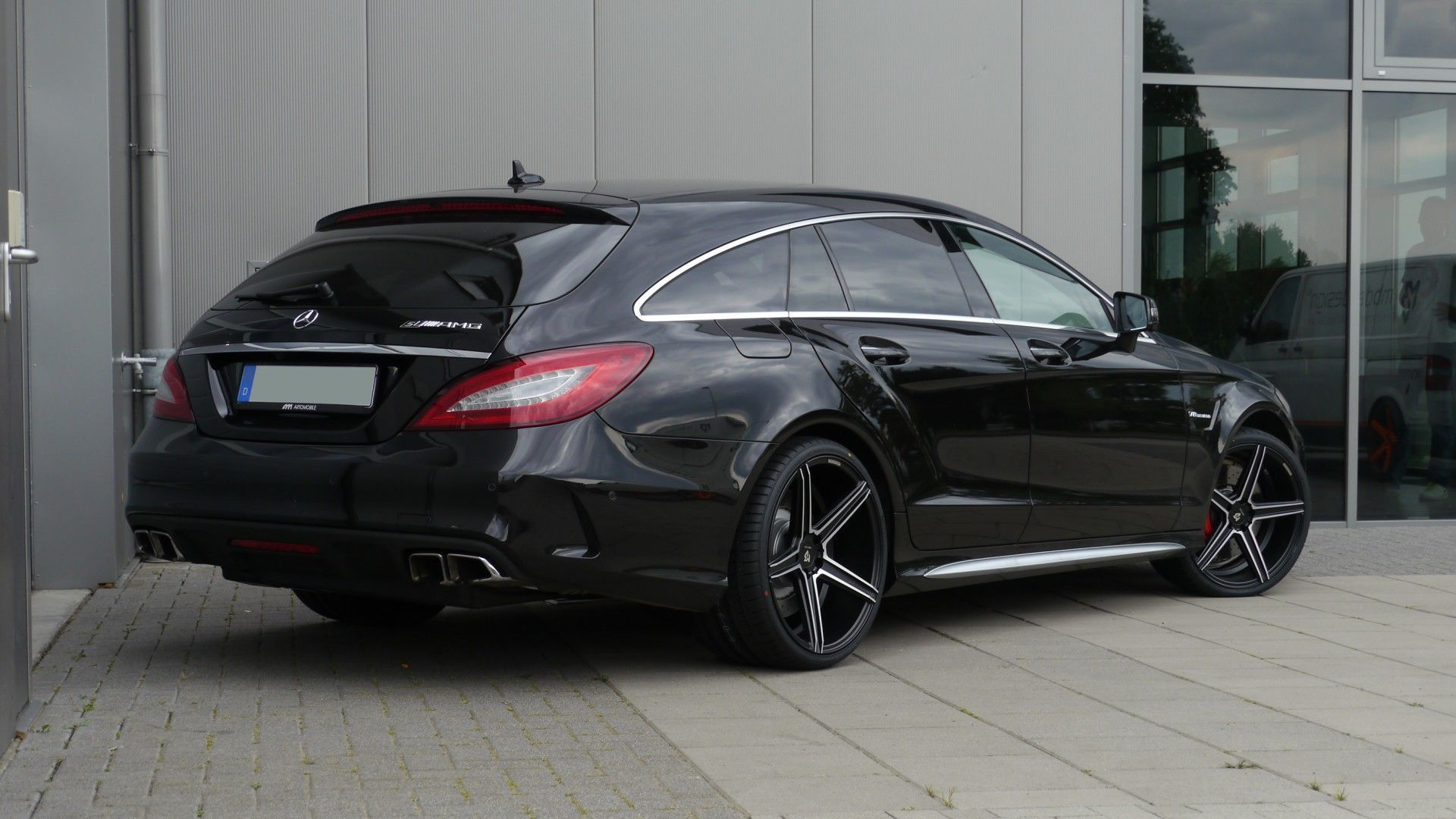 mercedes benz cls 63amg shooting brake felge mbdesign kv1. Black Bedroom Furniture Sets. Home Design Ideas